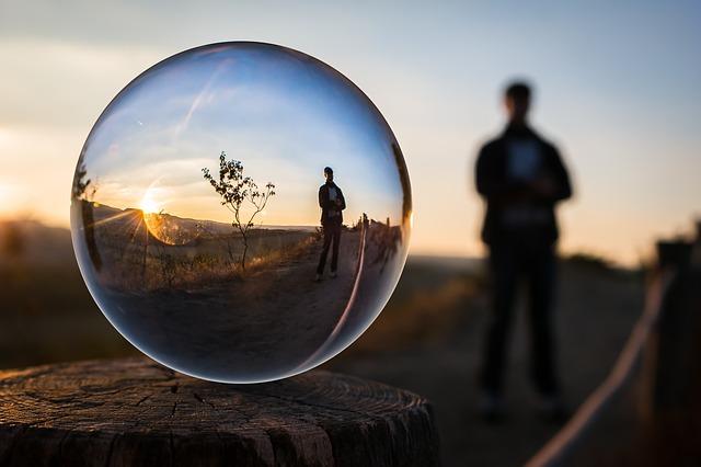 glass-ball-1764326_640